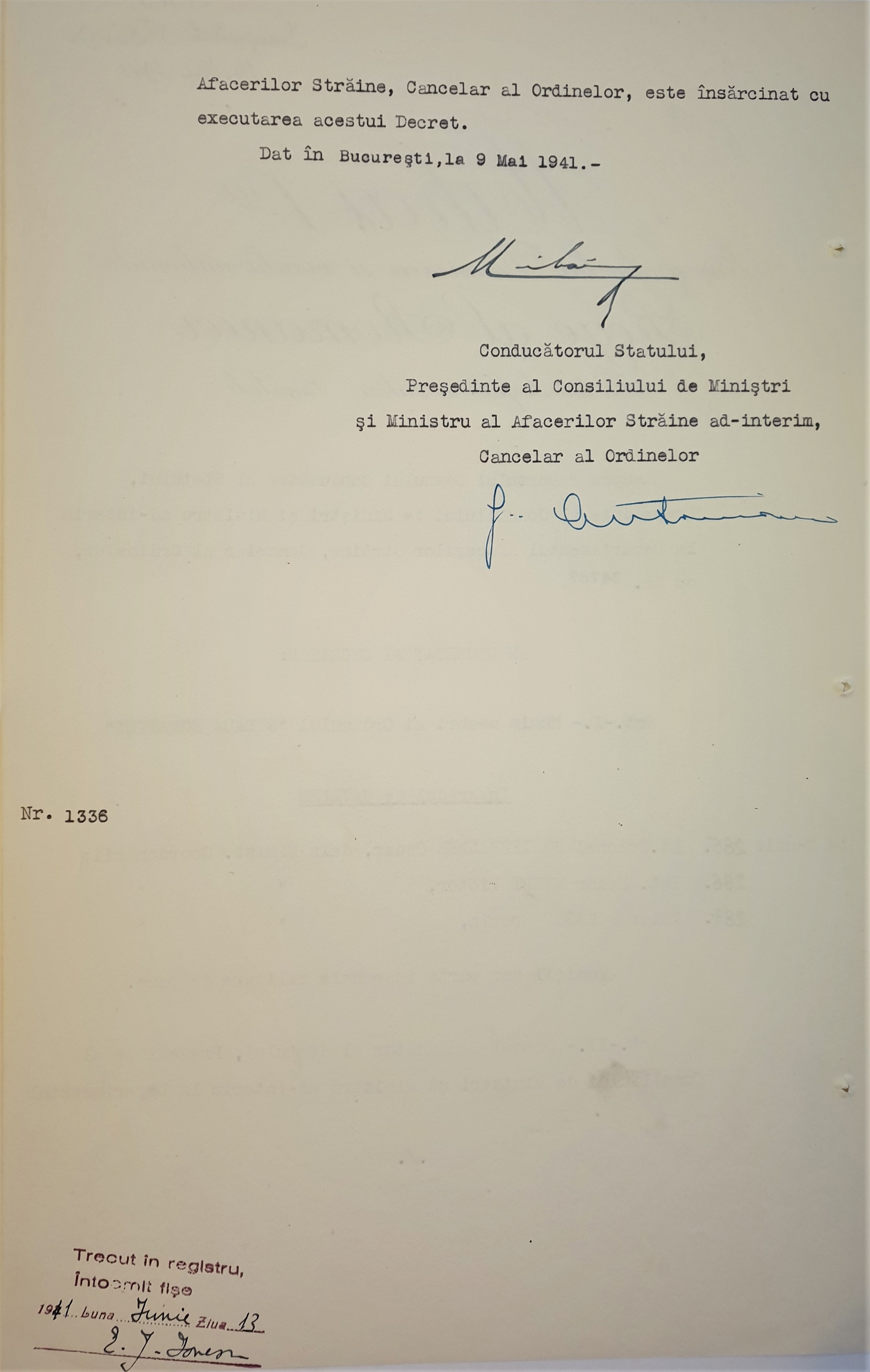 31.Mihai I_Ion Antonescu_1
